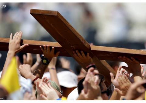 Папа: хрест – це не прикраса і не витвір мистецтва