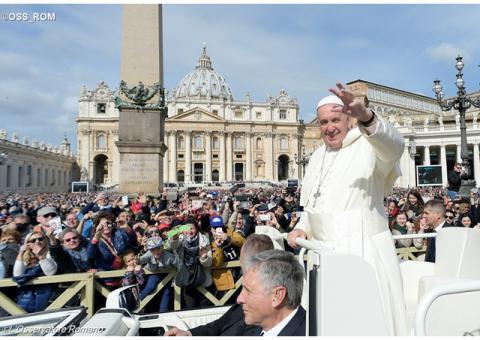 Папа: милостиня – жест любові та щирої уваги і вміння зупинитись біля бідного