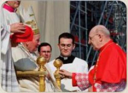 Папа співчуває у зв'язку зі смертю кардинала Антонетті